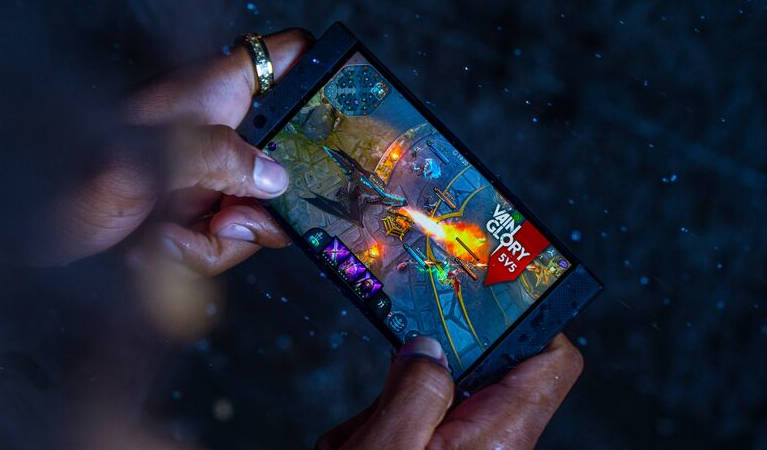 razer-phone-2-gaming
